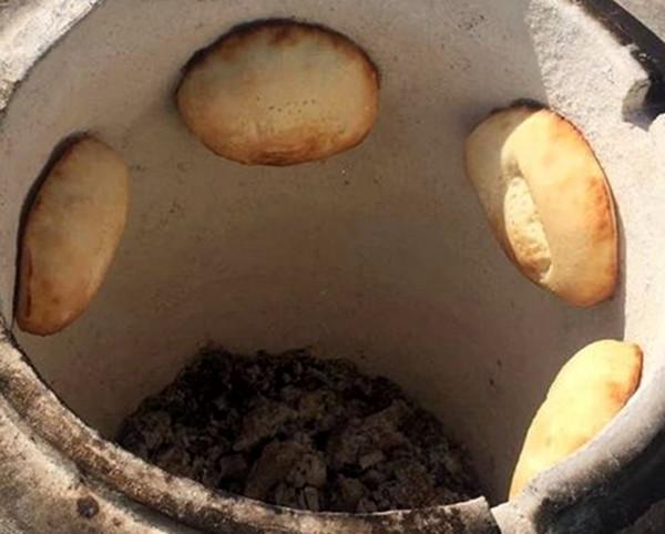 chleb naan tandoor